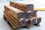 Exotic wood at the sawmill: Kingwood, Cocobolo and Ebony